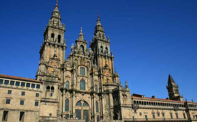 adventure-ease-camino-de-santiago-cathedral