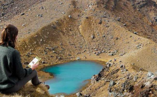 free-activities-new-zealand-tongariro-pool